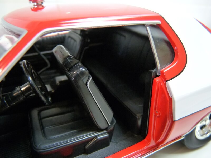 Ford gran torino Starsky & Hutch - 1976 - ERTL 1/18 ème Ford_s41