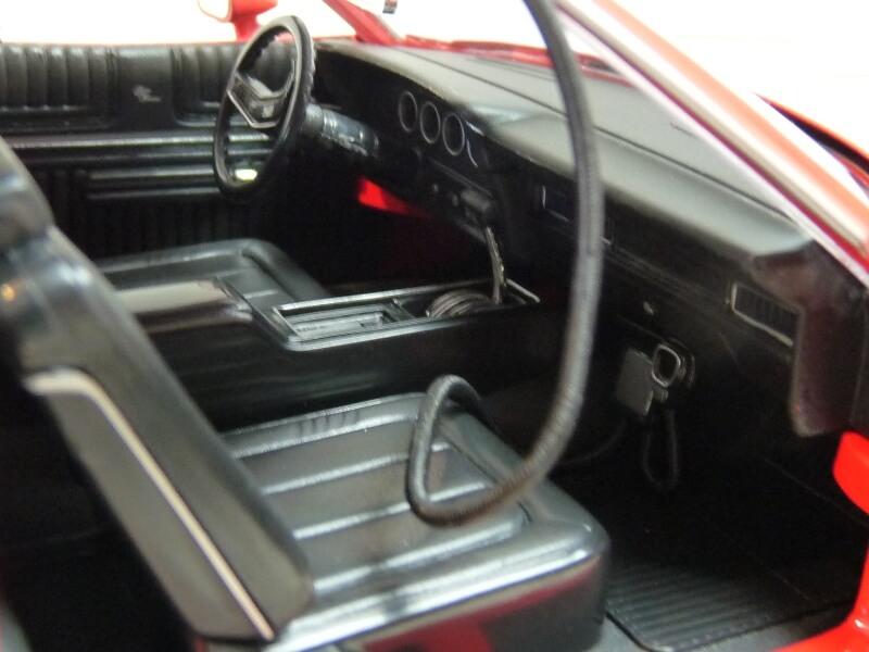 Ford gran torino Starsky & Hutch - 1976 - ERTL 1/18 ème Ford_s42