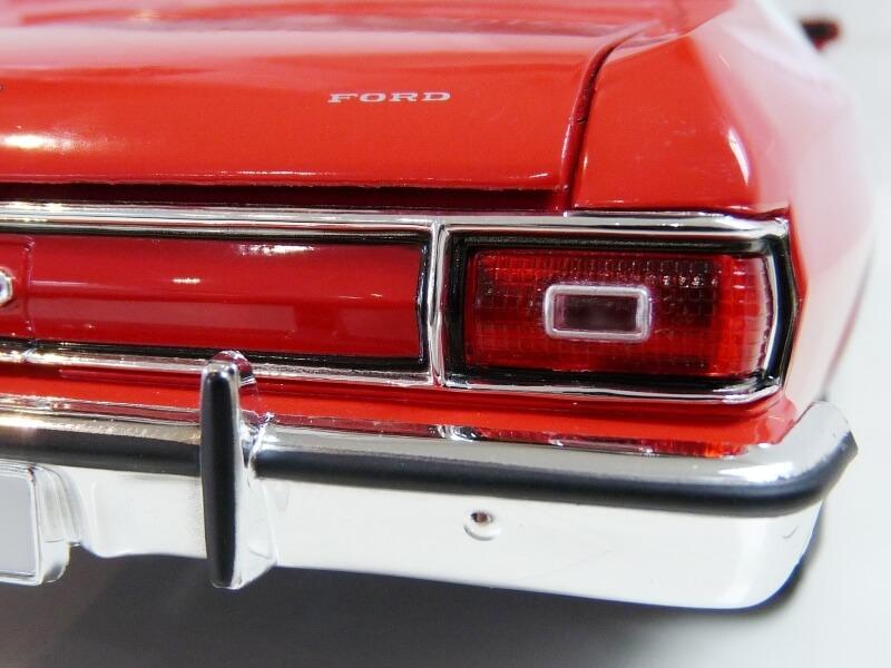 Ford gran torino Starsky & Hutch - 1976 - ERTL 1/18 ème Ford_s47