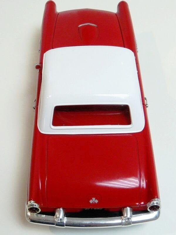 Ford Thunderbird - 1955 - Revell Métal 1/18 ème Ford_t18