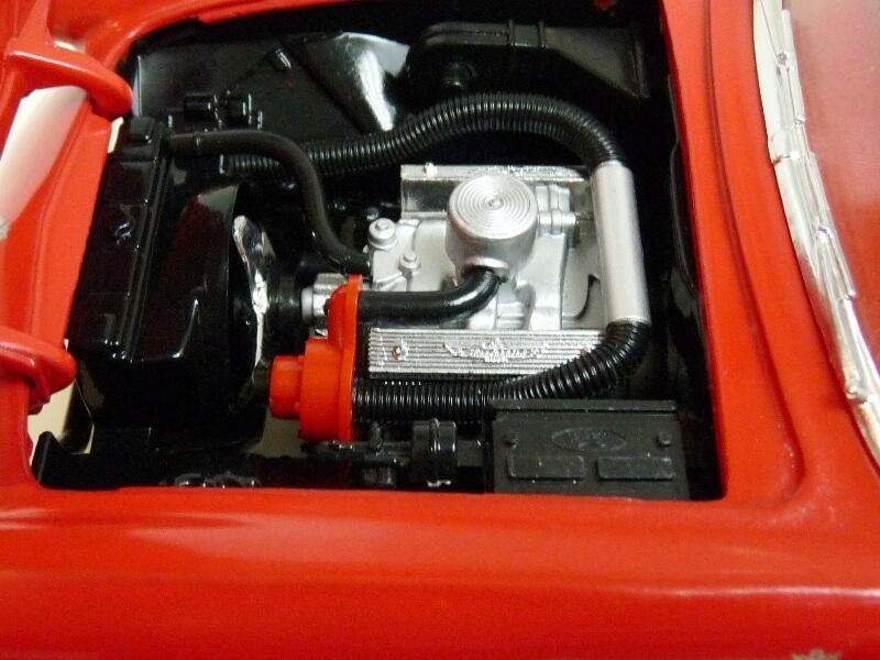 Ford Thunderbird - 1955 - Revell Métal 1/18 ème Ford_t19