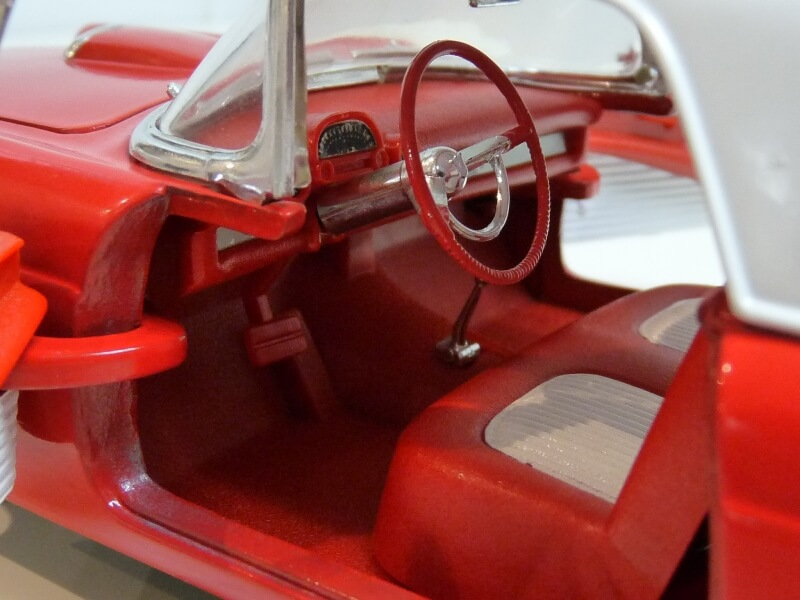 Ford Thunderbird - 1955 - Revell Métal 1/18 ème Ford_t20