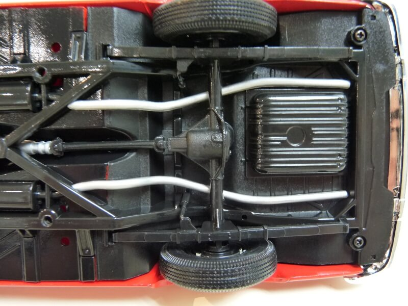 Ford Thunderbird - 1955 - Revell Métal 1/18 ème Ford_t27
