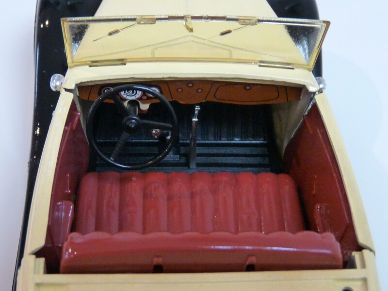 Ford M40 V8 Roadster - 1934 - Solido 1/19 ème Fordv825
