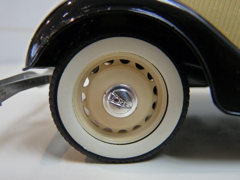 Ford M40 V8 Roadster - 1934 - Solido 1/19 ème Fordv830