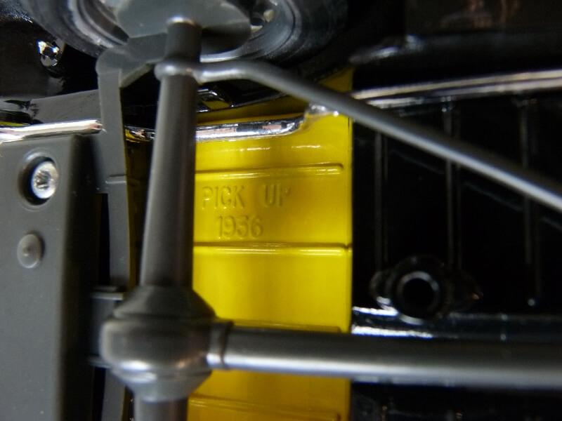 """Ford V8 Pick-up jaune bâché """"Coca-cola"""" - 1936 - Solido 1/19 ème  Fordv836"""