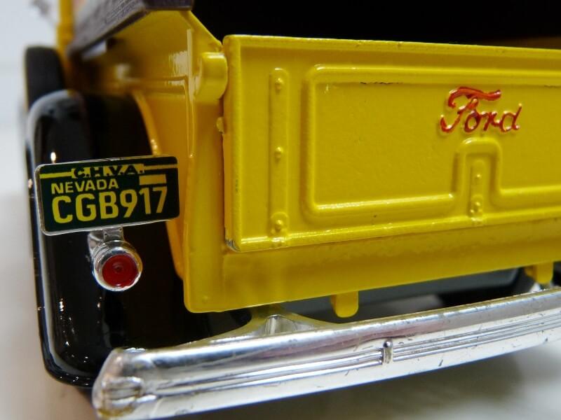"""Ford V8 Pick-up jaune bâché """"Coca-cola"""" - 1936 - Solido 1/19 ème  Fordv845"""