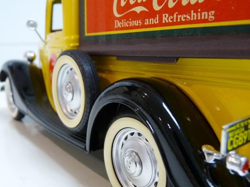 """Ford V8 Pick-up jaune bâché """"Coca-cola"""" - 1936 - Solido 1/19 ème  Fordv848"""