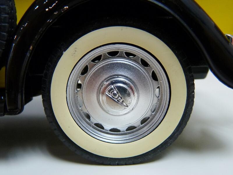 """Ford V8 Pick-up jaune bâché """"Coca-cola"""" - 1936 - Solido 1/19 ème  Fordv849"""