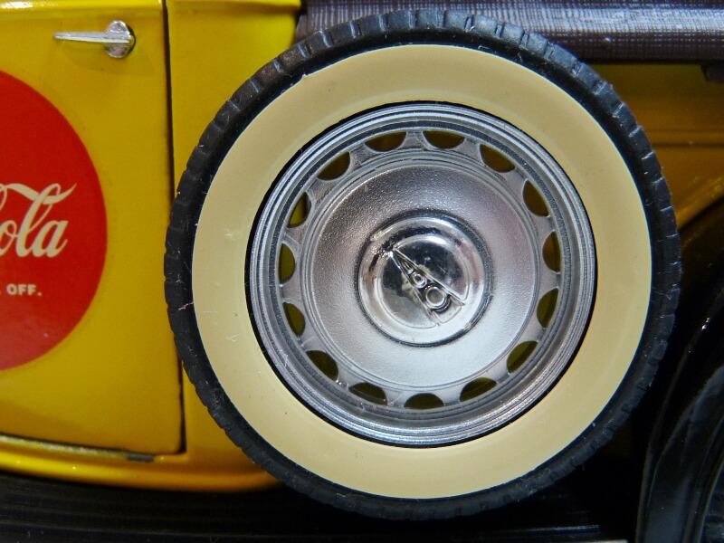 """Ford V8 Pick-up jaune bâché """"Coca-cola"""" - 1936 - Solido 1/19 ème  Fordv852"""