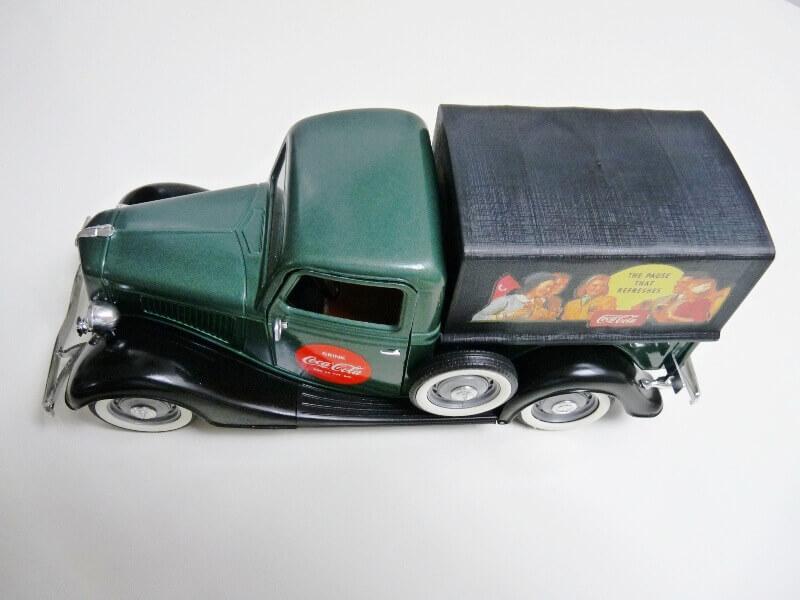 "Ford V8 Pick-up vert bâché ""Coca-cola"" - 1936 - Solido 1/19 ème Fordv854"