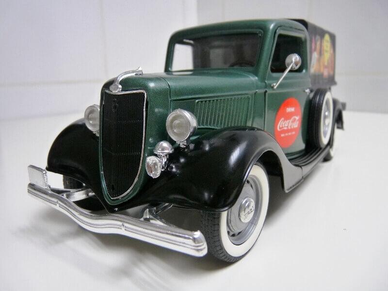 "Ford V8 Pick-up vert bâché ""Coca-cola"" - 1936 - Solido 1/19 ème Fordv855"