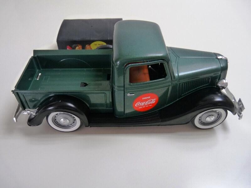 "Ford V8 Pick-up vert bâché ""Coca-cola"" - 1936 - Solido 1/19 ème Fordv860"