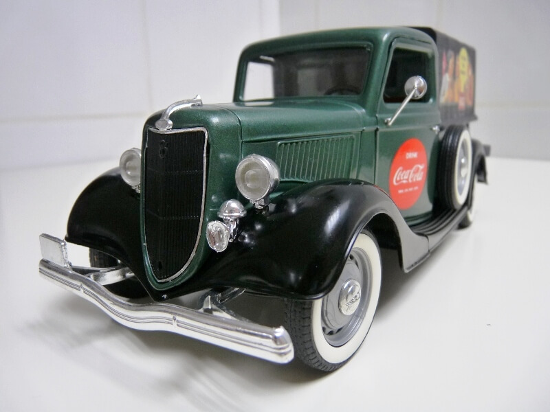 "Ford V8 Pick-up vert bâché ""Coca-cola"" - 1936 - Solido 1/19 ème Fordv864"