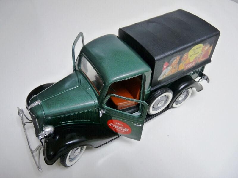 "Ford V8 Pick-up vert bâché ""Coca-cola"" - 1936 - Solido 1/19 ème Fordv865"