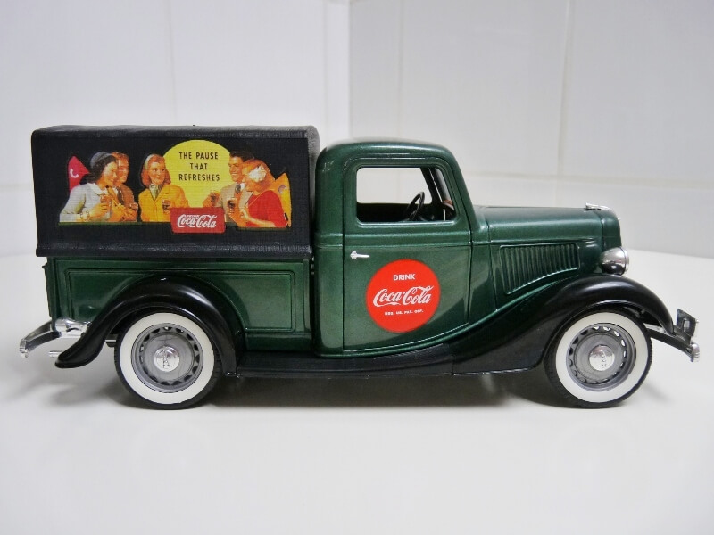 "Ford V8 Pick-up vert bâché ""Coca-cola"" - 1936 - Solido 1/19 ème Fordv867"