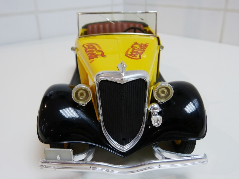"Ford M40 V8 Roadster ""Coca-cola"" - 1934 - Solido 1/19 ème Fov8rc11"