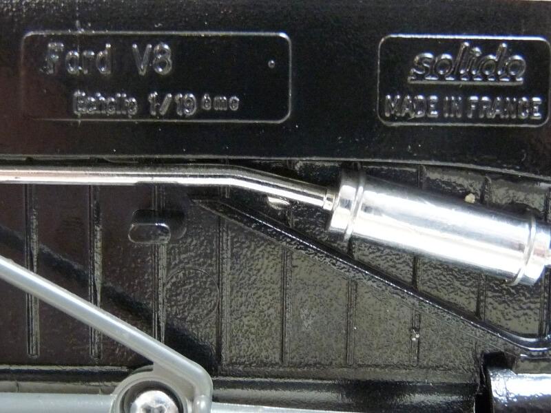 "Ford M40 V8 Roadster ""Coca-cola"" - 1934 - Solido 1/19 ème Fov8rc15"