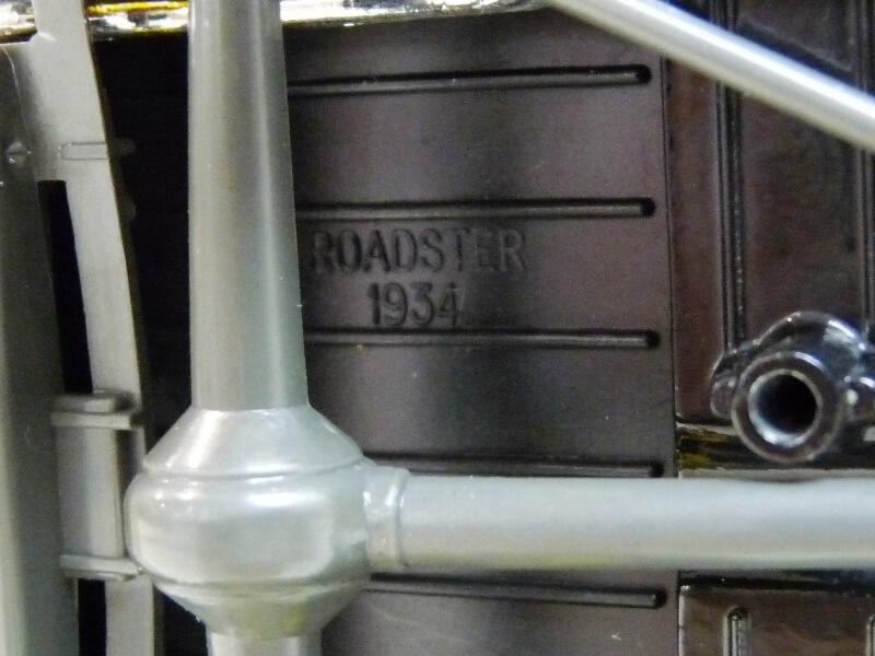 "Ford M40 V8 Roadster ""Coca-cola"" - 1934 - Solido 1/19 ème Fov8rc17"