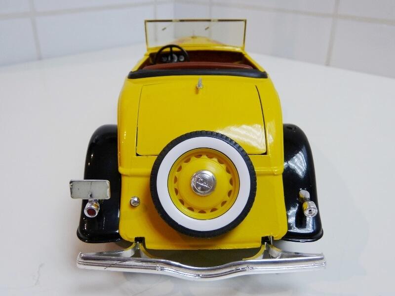 "Ford M40 V8 Roadster ""Coca-cola"" - 1934 - Solido 1/19 ème Fov8rc19"