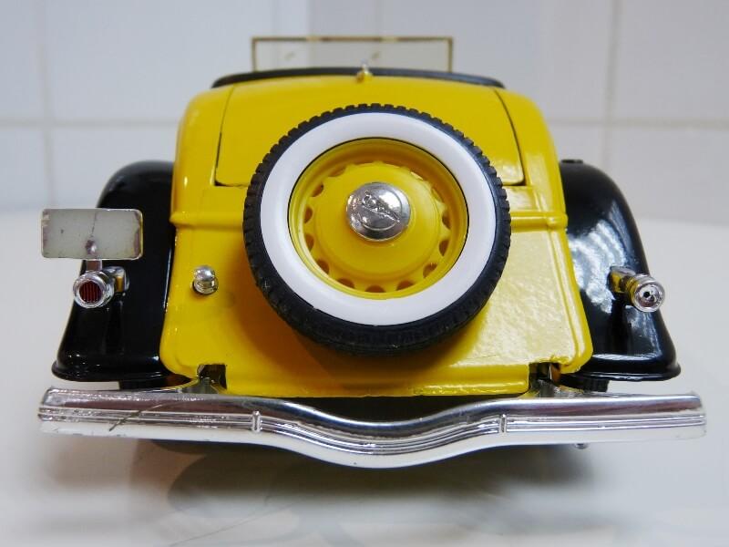 "Ford M40 V8 Roadster ""Coca-cola"" - 1934 - Solido 1/19 ème Fov8rc22"