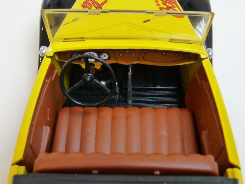 "Ford M40 V8 Roadster ""Coca-cola"" - 1934 - Solido 1/19 ème Fov8rc26"