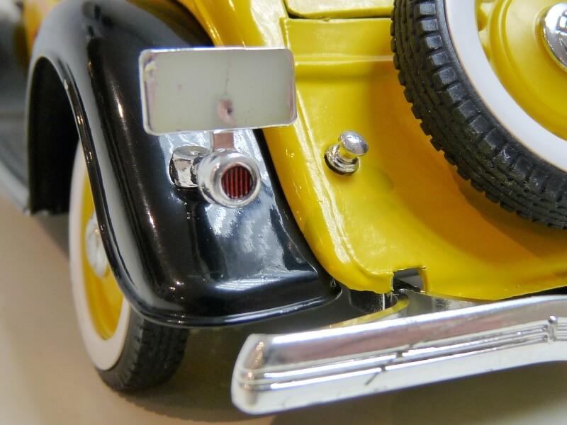 "Ford M40 V8 Roadster ""Coca-cola"" - 1934 - Solido 1/19 ème Fov8rc28"