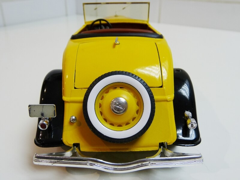 "Ford M40 V8 Roadster ""Coca-cola"" - 1934 - Solido 1/19 ème Fov8rc30"