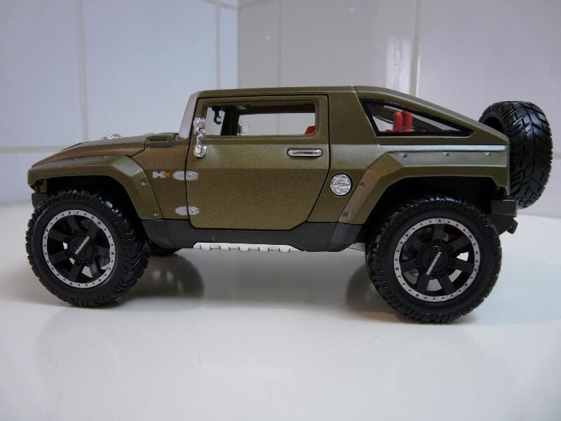 Hummer H4-HX Concept - 2008 - Maisto 1/18 ème Hh4hx_12