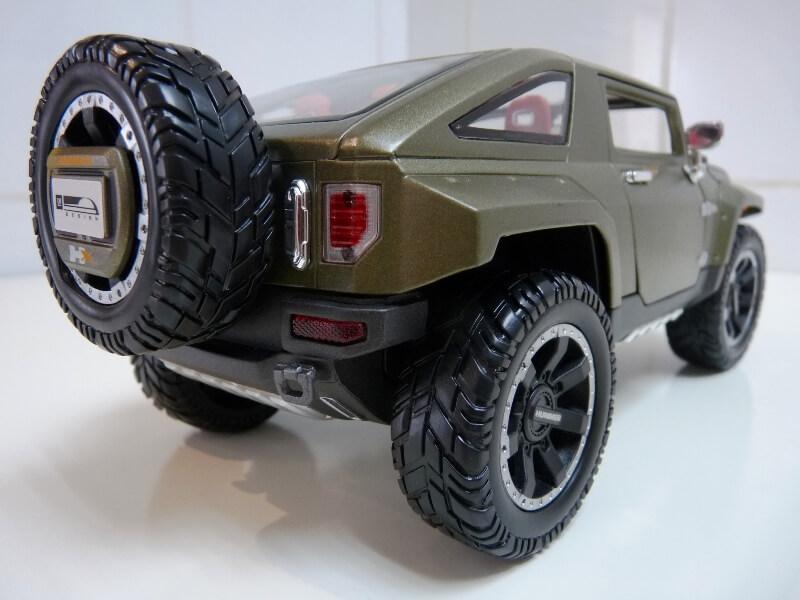 Hummer H4-HX Concept - 2008 - Maisto 1/18 ème Hh4hx_15