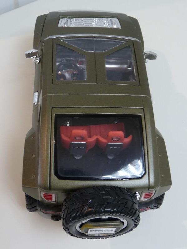 Hummer H4-HX Concept - 2008 - Maisto 1/18 ème Hh4hx_22
