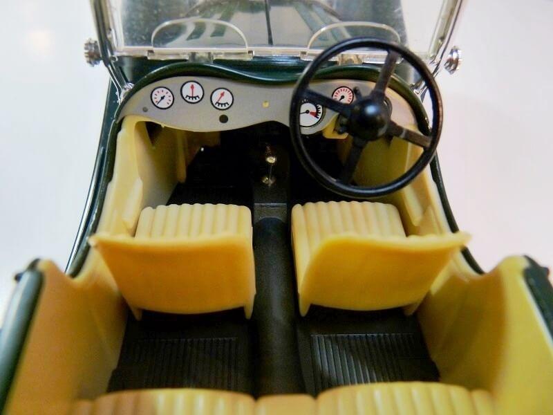 Jaguar SS100 - 1937 - BBurago 1/18 ème Jaguar11