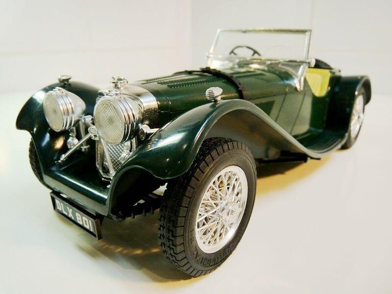 Jaguar SS100 - 1937 - BBurago 1/18 ème Jaguar12