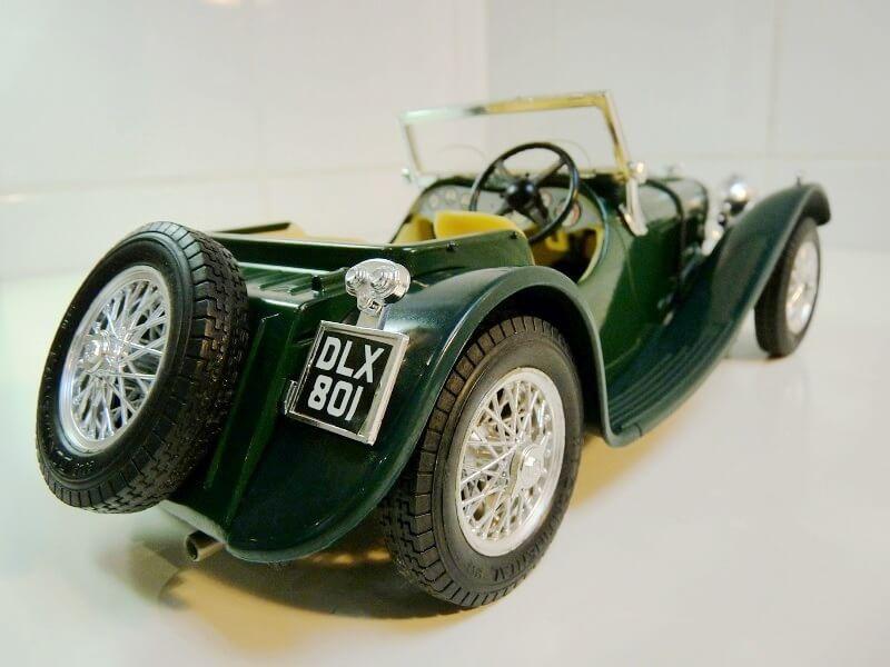 Jaguar SS100 - 1937 - BBurago 1/18 ème Jaguar13