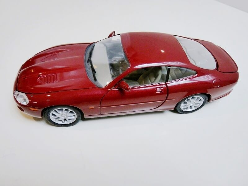 Jaguar XKR - 1998 - Solido 1/18 ème Jaguar20