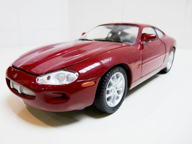 Jaguar XKR - 1998 - Solido 1/18 ème Jaguar21