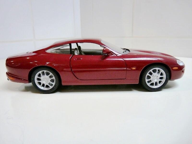 Jaguar XKR - 1998 - Solido 1/18 ème Jaguar23