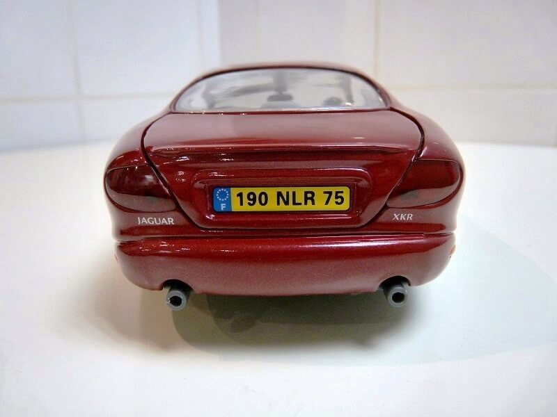 Jaguar XKR - 1998 - Solido 1/18 ème Jaguar25