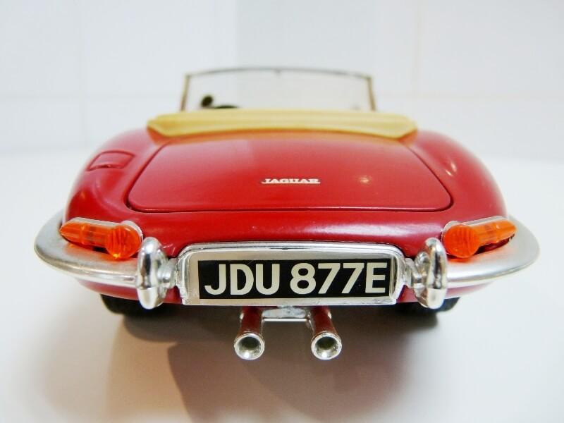 Jaguar Type E Cabriolet rouge - 1961 - BBurago 1/18 ème Jte_ca15