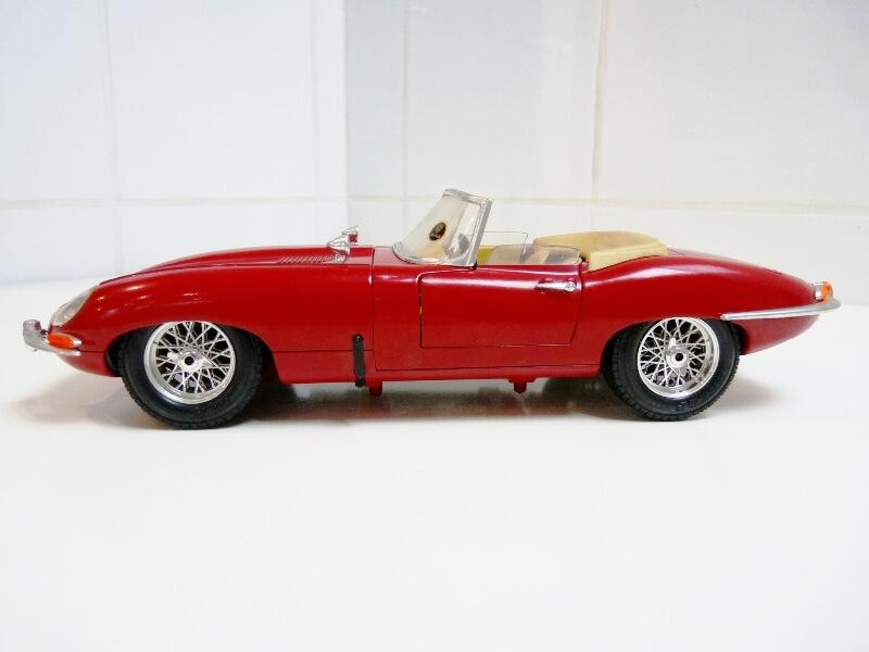 Jaguar Type E Cabriolet rouge - 1961 - BBurago 1/18 ème Jte_ca16