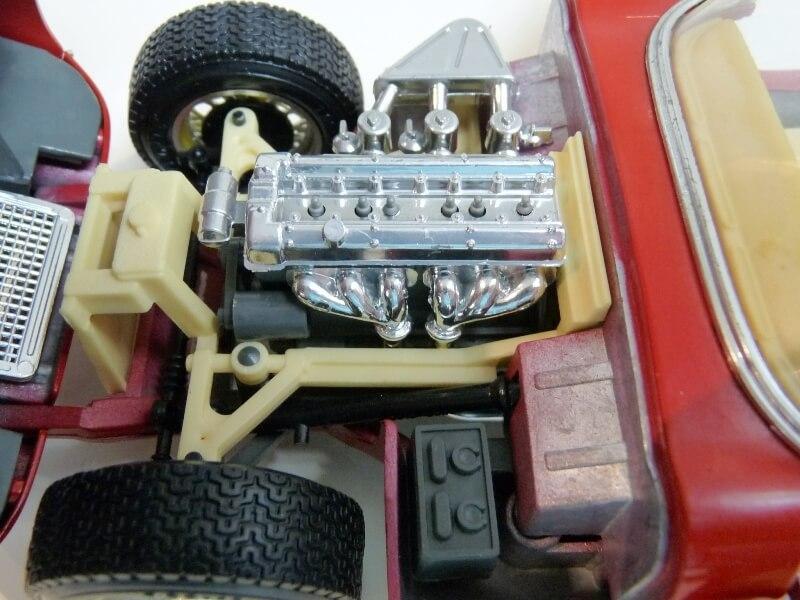 Jaguar Type E Cabriolet rouge - 1961 - BBurago 1/18 ème Jte_ca18