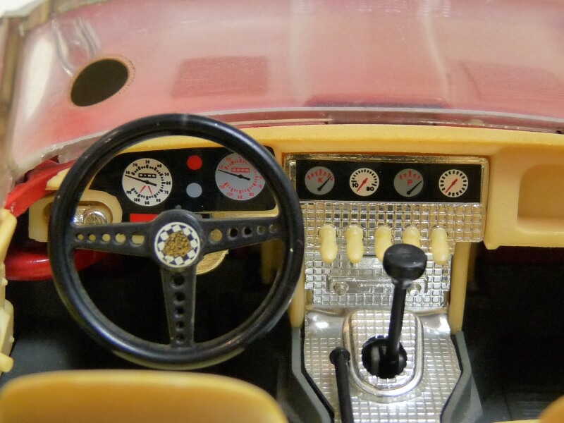 Jaguar Type E Cabriolet rouge - 1961 - BBurago 1/18 ème Jte_ca25