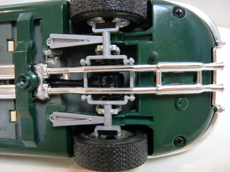 Jaguar Type E Cabriolet vert - 1961 - BBurago 1/18 ème Jte_ca28