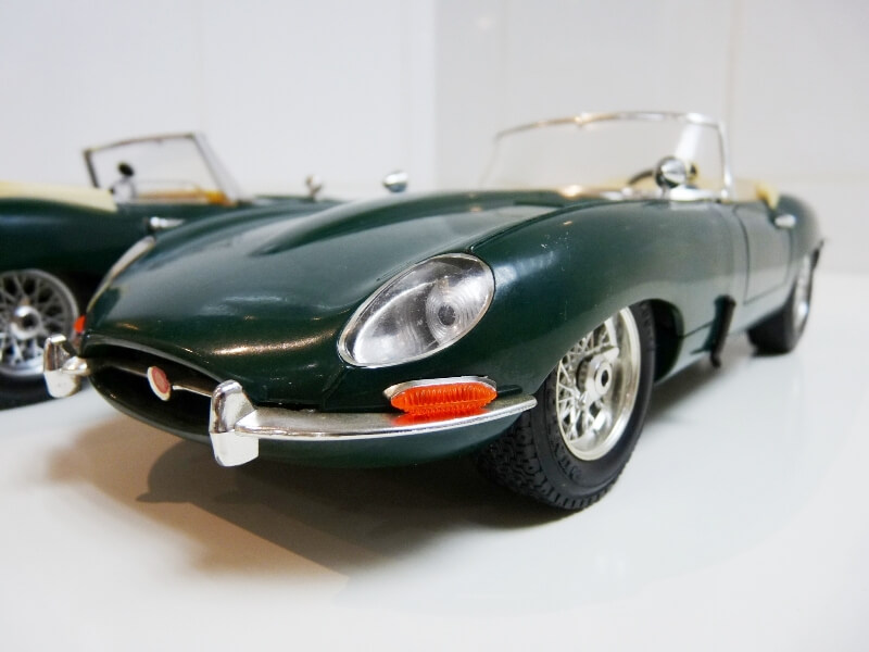 Jaguar Type E Cabriolet vert - 1961 - BBurago 1/18 ème Jte_ca31