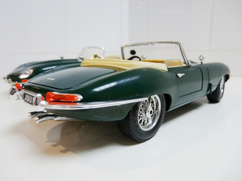 Jaguar Type E Cabriolet vert - 1961 - BBurago 1/18 ème Jte_ca33