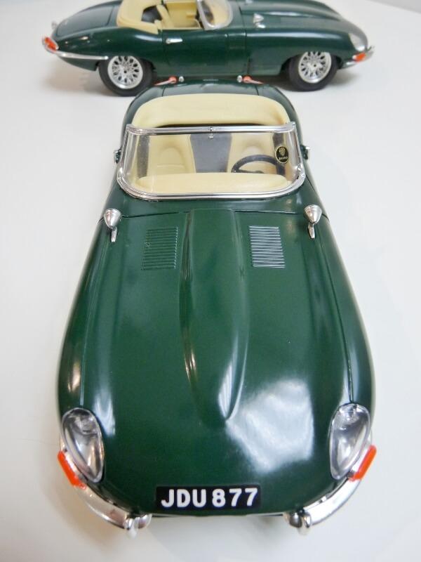 Jaguar Type E Cabriolet vert - 1961 - BBurago 1/18 ème Jte_ca34