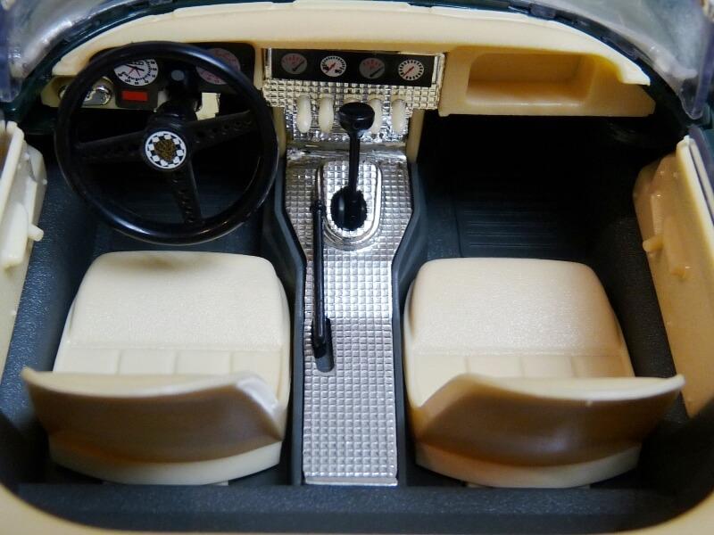 Jaguar Type E Cabriolet vert - 1961 - BBurago 1/18 ème Jte_ca36