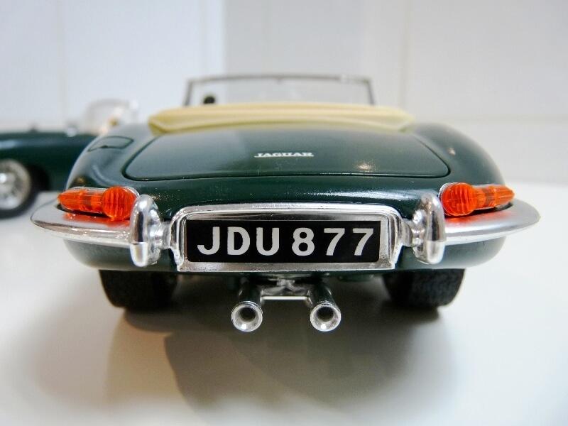 Jaguar Type E Cabriolet vert - 1961 - BBurago 1/18 ème Jte_ca37