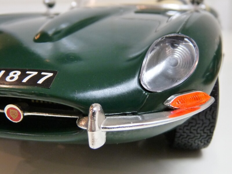 Jaguar Type E Cabriolet vert - 1961 - BBurago 1/18 ème Jte_ca43