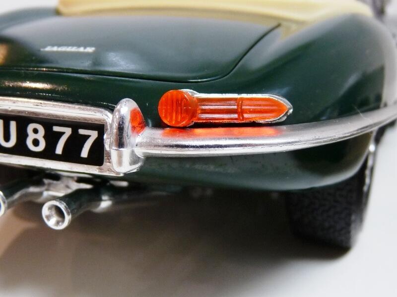 Jaguar Type E Cabriolet vert - 1961 - BBurago 1/18 ème Jte_ca44
